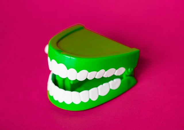 What Does It Mean When You Dream About Teeth?