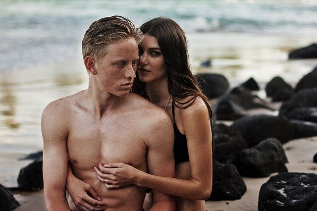 Gemini and Cancer Compatibility: Intimacy and Sex
